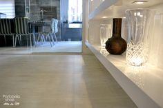 Esse projeto maravilhoso foi feito pelo escritório Locus Arquitetura em conjunto com a Portobello Shop Alto da XV. Parabéns pelo trabalho e pela confiança!