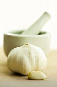 Garlic Oil For Ear Infections: Why You Should Make Your Own