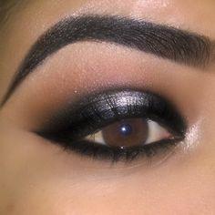 Maquiagem prata e preto