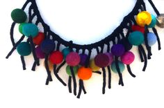 collier en feutrine 3 D, Crochet Necklace, Objects, Felt, Create, Jewelry, Felt Necklace, Felt Fabric, Jewerly