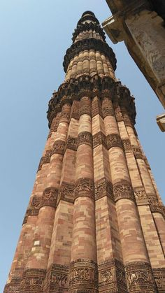 Qutub Minar - Qutub Minar and complex is one of the UNESCO world heritage sites in Delhi. This historical architecture attracts photographer's heart. Indian Architecture, Historical Architecture, Ancient Architecture, Beautiful Architecture, Indus Valley Civilization, Amazing India, Historical Monuments, Famous Places, Day Tours