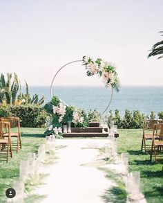 Wedding decor ideas Can we pause for this circular set up that's both modern and lush ceremony 💐🌸/ T Wedding Ceremony Ideas, Beach Wedding Reception, Beach Ceremony, Wedding Events, Budget Wedding, Wedding On The Beach, Small Beach Weddings, Vintage Beach Weddings, Colorful Weddings