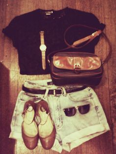 lazy outfit<<< I like it how some of these say lazy outfit but lol this is dressed up for me :)