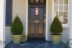 front porch-numbers on the door! Outdoor Landscaping, Outdoor Decor, Outdoor Spaces, Front Porch Plants, Boxwood Plant, Front Door Colors, Paint Colors For Home, House Painting, New Homes