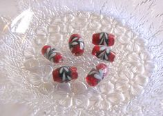 BLACK, RED & WHITE - 12 Lovely Glass Beads