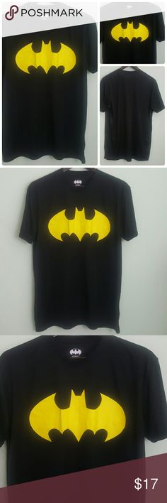 Batman shirt Batman shirt.  Chest 46 inches. Length 30 inches. Sleeve 8 inches. Batman Shirts Tees - Short Sleeve