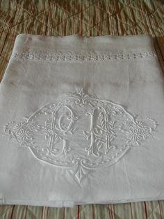 La Pouyette....: Monogrammed French Linen Draps