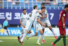 Uruguay Uruguay no ma 💪💪💪💪💪buena @santibuenoo !!!! Espectacular @santimele1 🙌🏻🙌🏻 felicitaciones a toda la sub 20 😃😃😃😃 Uruguay Uruguay no ma 💪💪💪💪💪 Great @santibuenoo !!!! Amazing @santimele1 🙌🏻🙌🏻 Congratulations to all the U20 national team 😃😃😃😃