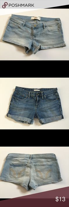 ‼️BUNDLE HOLLISTER & BULLHEAD SHORTS Two for the price of one! These summer staples are in excellent condition and true to size. Size 5 light wash hollister shorts ➕size 5 Bullhead shorts from Pacsun. Bundle while they're hot‼️💛 Hollister Shorts Jean Shorts