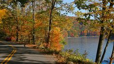 """Head to Deep Creek Lake in Maryland to enjoy gorgeous views by car along 2 fall foliage heritage tours. Motor along Route 219 up to the Deep Creek Lake overlook in McHenry for a look at the lake, ski slopes and breathtaking autumn foliage before heading back to the visitors center as part of a 90-minute driving loop.""  -- Erin Gifford, Family Travel Expert, Kidventurous.com"