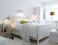 Wow. This is pretty much identical to my bedroom. Hemnes collection from Ikea.