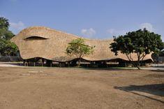 Imagen 1 de 22 de la galería de Escuela Panyaden / 24H > architecture. © Ally Taylor