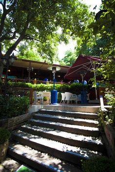 Şazeli Cafe Restaurant Şehrin tam kalbi çamlıca eteklerinde,  Boğaz manzaralı Özel ve Huzurlu bir mekan...  #şazeli #sazeli #şazelicafe #cafe #istanbul #turkey