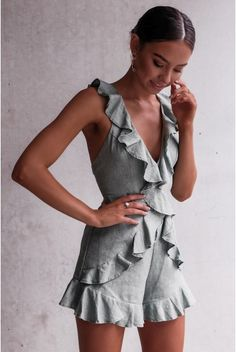 Ruffled linen romper - October 20 2018 at Look Fashion, Fashion Outfits, Womens Fashion, Chic Outfits, Style Feminin, Summer Outfits, Summer Dresses, Dresses 2016, Outfit Trends