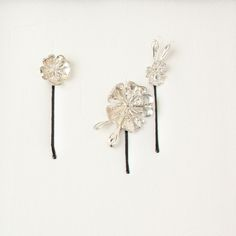 Beautiful floral hair slides from Tessara. Perfect for bridesmaids or bridal hair.