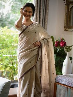 Saree Trends, Missing Her, She Said, Girl Photography Poses, Call Her, Hugs, Soaps, Sarees, Love Her