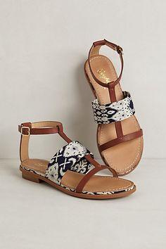 { summer sandals }