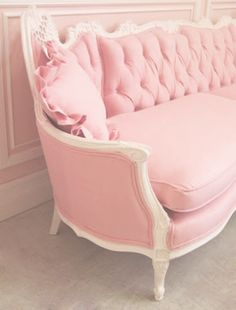 I do believe that I NEED this couch. Yep, need. Not want, NEED, like air.....