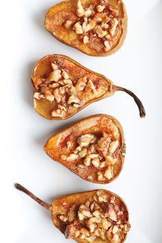 Walnut Recipes, Pear Recipes, Fruit Recipes, Recipes With Pears, Vegetarian Recipes, Vegan Blogs, Healthy Recipes, Vegan Meals, Vegan Food