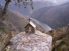 Ermida sobre a Ribeira Sacra - Ribeira Sacra – Wikipédia, a enciclopédia livre