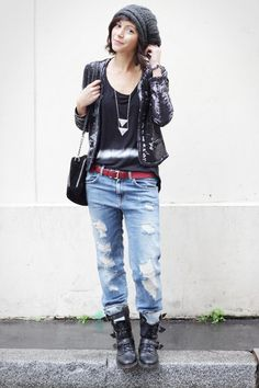 Boyfriend Jeans are more versatile than you may realise. The loose fit style goes with pretty much anything and these are our favourite boyfriend jeans outfits Tomboy Fashion, Look Fashion, Winter Fashion, Girl Fashion, Womens Fashion, Korean Fashion, Mode Outfits, Chic Outfits, Fall Outfits