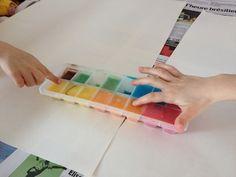 Vous allez apprendre à peindre avec des glaçons. C'est le genre d'activité que vous et les enfants de votre entourage vont adorer. Je pense même que cela peut être pratiquer avec des amis lors d'une soirée barbecue.