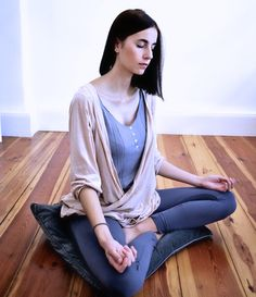 The Practical Beginner's Guide To Meditation: 8 Steps, 5 Techniques, Tips & Explanations