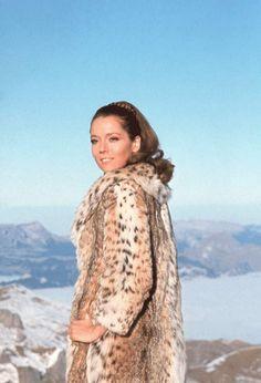DIANA RIGG dans Au service secret de Sa Majesté, 1969L'actrice a haï George Lazenby, ex-vendeur de voitures et mannequin, qui remplaçait Sean Connery. Diana, révélée par «Chapeau melon et bottes de cuir», méprisera ce film, préférant le théâtre. Aujourd'hui, à 76 ans, elle s'amuse dans «Game of Thrones».