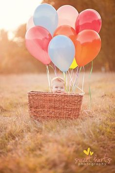 LOVE this for baby pictures months ish will be when the hot air balloon festival is) Baby Pictures, Baby Photos, Toddler Photos, Preschool Photography, Cute Kids, Cute Babies, First Birthday Photos, Baby Portraits, Jolie Photo