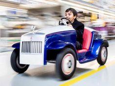 ரோல்ஸ்ராய்ஸ் எஸ்ஆர்ஹச் - சிறுவர்களுக்கான குட்டி எலக்ட்ரிக் கார் | rollsroyce makes electric toy car     ஆடம்பர கார்கள் என்றாலே நம் நினைவுக்கு சட்டென வருவத... Check more at http://tamil.swengen.com/%e0%ae%b0%e0%af%8b%e0%ae%b2%e0%af%8d%e0%ae%b8%e0%af%8d%e0%ae%b0%e0%ae%be%e0%ae%af%e0%af%8d%e0%ae%b8%e0%af%8d-%e0%ae%8e%e0%ae%b8%e0%af%8d%e0%ae%86%e0%ae%b0%e0%af%8d%e0%ae%b9%e0%ae%9a%e0%af%8d-2/
