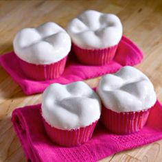 Cupcakes that look like molars!!!  How neat are these!!  would LOVE to make them for Todd too:)