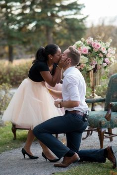 Love is blind. Here are 24 photos that show that love is blind. Prince Harry and Meghan Markle are engaged and they prove love is blind. Interracial relationships are becoming more common. Here are 24 Interracial weddings that show that love is truly blin Interracial Couples, Interracial Wedding, Muslim Couples, Beaux Couples, Cute Couples, Proposal Videos, Proposal Photos, Prove Love, Pink Tulle Skirt