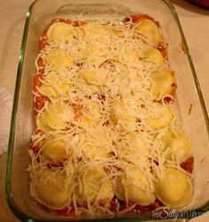 Lazy Day Lasagna {Ravioli Casserole} recipe from ThisSillyGirlsLife Ravioli Casserole, Casserole Dishes, Casserole Recipes, Pasta Dishes, Food Dishes, Main Dishes, Make Ahead Meals, Easy Meals, Lazy Lasagna