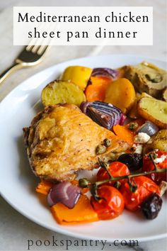 Crispy, Mediterranean baked chicken thighs with vegetables is a meal everyone will love.  This sheet pan dinner is full of Mediterranean-seasoned veggies.   #mediterranean #mediterraneandiet #mediterraneanfood #sheetpandinner #chickendinner Quick Pasta Recipes, Healthy Chicken Recipes, Easy Healthy Recipes, Dinner Recipes, Dinner Ideas, Mediterranean Chicken Bake, Mediterranean Recipes, Easy Weeknight Dinners, Easy Healthy Dinners