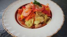 Räkor med grönsaker i ugn - Du i Fokus Moussaka, Zucchini, Cabbage, Vegetables, Food, Vegetable Recipes, Eten, Veggie Food, Cabbages