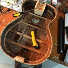 Guitar Shelf, Guitar Tutorial, Epiphone, I Love Books, Acoustic Guitar, Bookshelves, Guitars, Repurposed, Sculpture