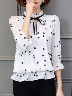 Tie Collar Keyhole Hollow Out Polka Dot Blouse- Blouse Styles, Blouse Designs, Classy Outfits, Cute Outfits, Modelos Fashion, Indian Designer Suits, Polka Dot Blouse, Blouse Online, Blouse Vintage