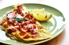 Omlet z łososiem - Przepis na omlet z łososiem | Salmon omlet http://www.codogara.pl/8069/omlet-z-lososiem/