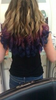 Pretty Dip dye. Not to mention the gorgeous curls.