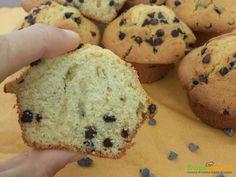 Muffin con gocce di cioccolato – ricetta originale  #ricette #food #recipes