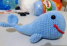 E essa é a Lela! Acabou de ficar pronta. Presente de Natal para um bebê fofo. Mas se você quiser faço uma para você. Tamanhos e cores variados mande um direct ;) Design de Amigurumi Today.  #amigurumi #crochet #croche #baby #babydecor #babytoy #semprecírculo #anne #aceitoencomendas #artesanato
