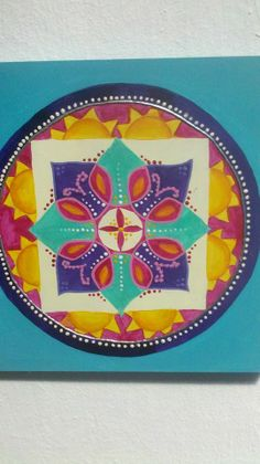Mandala pintado en acrílico sobre madera, 20cm x 20cm
