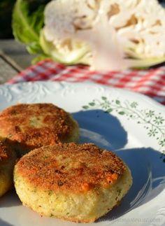 Kotlety z kalafiora Polish Recipes, Polish Food, Veggie Recipes, Veggie Meals, Fodmap, Baked Potato, Cauliflower, Pesto, Muffin