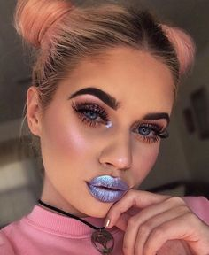 Make-up: metallic lipstick metallic lipstick lips eye makeup eyeliner eye shadow eyebrows eyelashes Eyebrow Makeup Tips Makeup Goals, Makeup Inspo, Makeup Art, Eyebrow Makeup, Fairy Makeup, Mermaid Makeup, Alien Makeup, Makeup Style, Makeup Trends