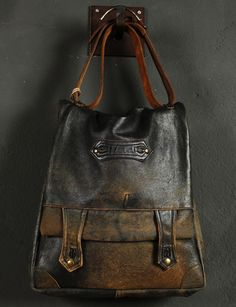 "Una linea di borse vintage, storiche. Realizzate da Silent People .   A collection of vintage ""historical"" bags. Made by Silent People .  ..."