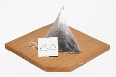 Lavish Earl Grey Pyramid Silky Tea Sachet comes with Lavender flowers carefully blended with Earl Grey Tea from Sri Lanka.   Find out more at www.collabtea.com