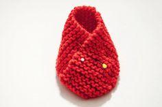 Tutorial fai da te: Come fare un paio di scarpine per neonato a maglia via DaWanda.com