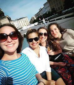 My chicas in Kraków #chicas #krakow #staremisto #sunny #hot #summer #krakow2016 #spanish #españa #girls #sweethearts