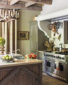 Victoria Magazine, Kitchen Design, Kitchen Decor, English House, The Past, Entryway Tables, Architecture, Interior Design, Room