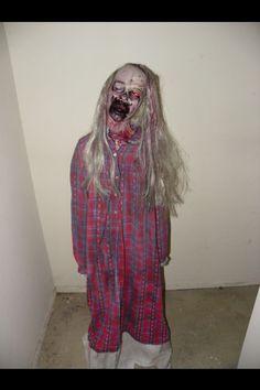 Zombie Prop Halloween Zombie, Spirit Halloween, Halloween Stuff, Halloween Crafts, Halloween Party, Halloween Yard Decorations, Scary Stuff, Zombie Apocalypse, Favorite Holiday